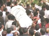 पूर्व सैनिक के अंतिम संस्कार में शामिल हुए राहुल गांधी और केजरीवाल