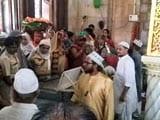 Video : Women Re-Enter Mumbai's Haji Ali Dargah After 5 Years