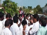 Video : Team Panneerselvam Turns Back After Large Groups Banned Near Resort