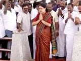 Video : Sasikala Pays Tribute To Jayalalithaa Before Heading To Bengaluru