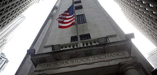 Dow closes at another high, eyes turn to US payrolls report