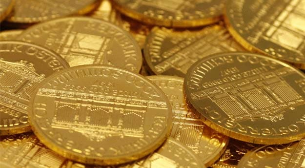 Gold Climbs To 12-Week High as Oil Prices Drop