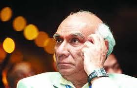 यश चोपड़ा को श्रद्धांजलि, नौ अभिनेत्रियों ने रैंप पर बिखेरा जलवा