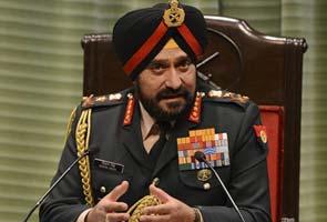 सेना प्रमुख ने एंटनी को एलओसी पर स्थिति से अवगत कराया