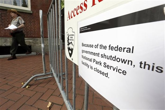 US Government To Remain Closed Today As Senate Still Short Of Deal