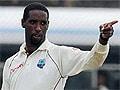 वेस्ट इंडीज़ के स्पिनर शेन शिलिंगफोर्ड पर अंतरराष्ट्रीय क्रिकेट में गेंदबाजी पर पाबंदी
