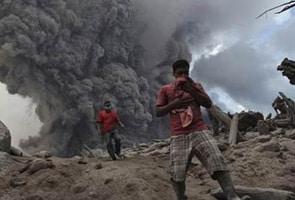 इंडोनेशिया में ज्वालामुखी फटने से 14 लोगों की मौत