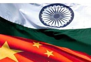 चीन के राष्ट्रपति शी जिनपिंग की भारत यात्रा से पूर्व डोभाल ने चीन के शीर्ष राजनयिक से की मुलाकात