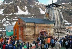 उत्तराखंड में आई बाढ़ के साल भर बाद फिर खुले केदारनाथ मंदिर के कपाट