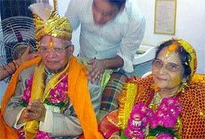 89 वर्ष की उम्र में नारायण दत्त तिवारी ने किया उज्ज्वला से विवाह