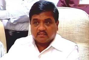 महिला सुरक्षा पर महाराष्ट्र के गृहमंत्री की टिप्पणी पर विवाद