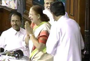 सुमित्रा महाजन सर्वसम्मति से 16वीं लोकसभा की अध्यक्ष चुनी गईं
