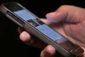 साल के आखिर तक लोगों से ज्यादा हो जाएंगे मोबाइल फोन