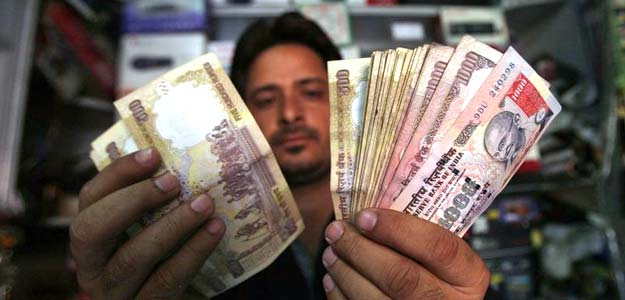 7th Pay Commission: Economists Expect Salary Hikes to Trigger Growth