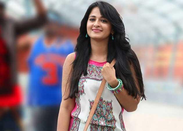 Anushka Shetty to Make Bollywood Debut With E Niwas' Juvenile
