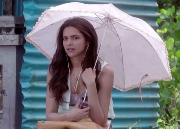 Deepika Padukone is Still Finding Love, Off-Screen. So She Says
