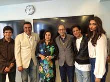 Shah Rukh Khan, Deepika Padukone Wish Twitter and Google a <i>Happy New Year</i>
