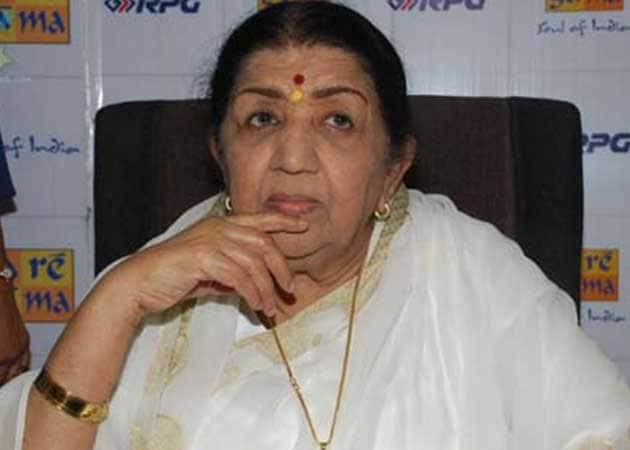 Lata Mangeshkar Misses 85th Birthday Party Because of Ill-Health