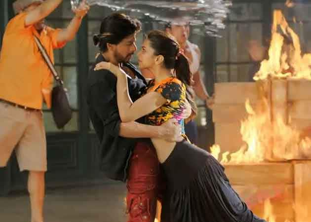 Deepika Padukone's Manwa Laage in Shah Rukh Khan's Greatest Hits