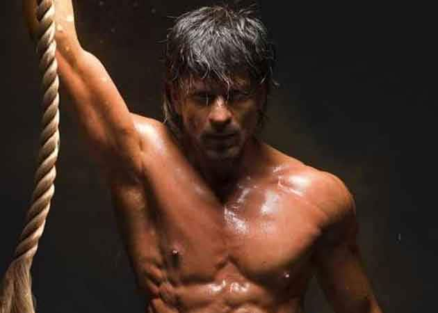 50 Shades of Fantastic: Shah Rukh Khan's New Body Proves Impossible is Nothing
