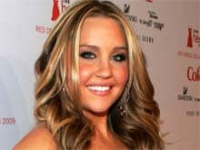 Amanda Bynes Accuses Father of Abuse on Twitter, Placed in Psychiatric Hold