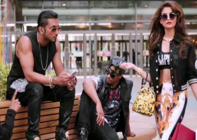 Yo Yo Honey Singh Chases Urvashi Rautela For a Love Dose