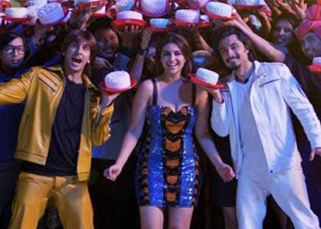 Parineeti Chopra Joins Instagram on Her Happy Budday, Posts Selfie Collage Of Fans