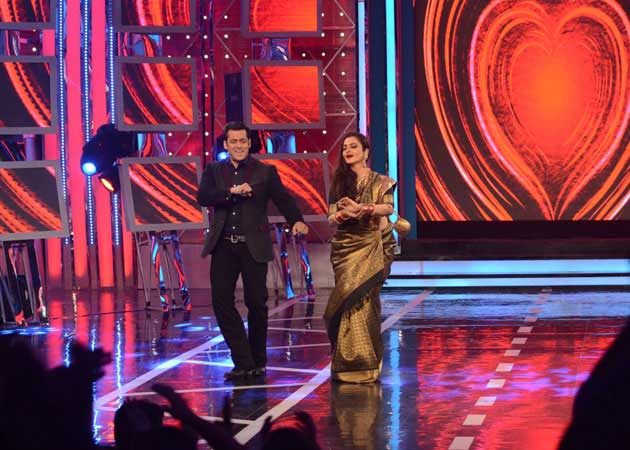 Rekha Makes an Amitabh Bachchan Reference on Bigg Boss