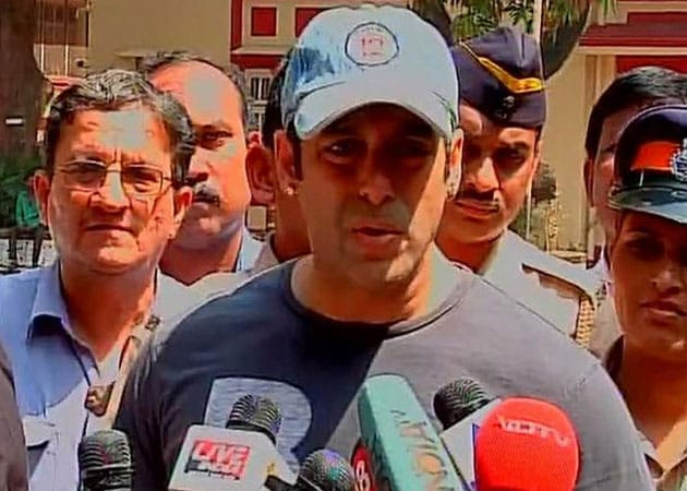 Salman Khan: Pick Candidate Like You Pick Girlfriend