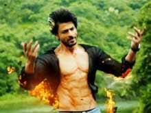 Shah Rukh Khan Hopes <i>Happy New Year</i> Spreads Happiness