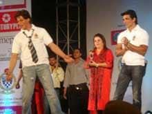 When Shah Rukh Khan Asked <i>Happy New Year</i> Team to 'Feel The Love' in Kolkata