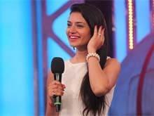 <i>Bigg Boss 8</i>: Sukirti Kandpal's Parting Gift for Praneet Bhatt