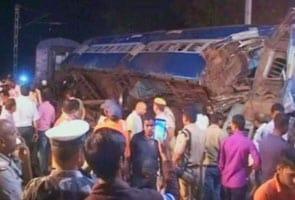 लखनऊ-बरौनी एक्सप्रेस से टकराई कृषक एक्सप्रेस, 12 लोगों की मौत, 45 घायल