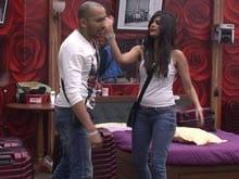 <i>Bigg Boss 8</i>: Sonali Raut Slaps Ali Quli Mirza