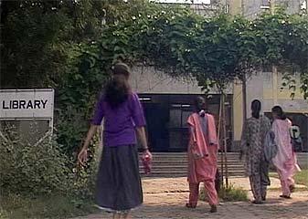 कादम्बिनी के कीबोर्ड से : डरें, एएमयू के फैसले से...
