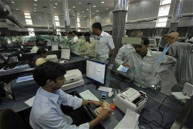 Small Bank Licences to Shake Up Microfinance Business: India Ratings