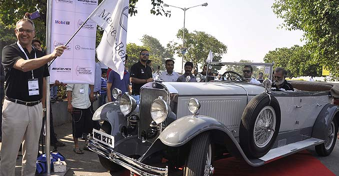 Mercedes-Benz India Holds Classic Car Rally in Mumbai