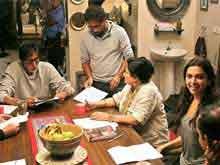 Amitabh Bachchan Lands in Kolkata for <i>Piku</i> Shoot