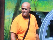<i>Bigg Boss 8</i>: Puneet Issar Disqualified, Asked to Leave the House