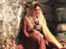 Revealed: <i>Begum </i> Rekha's Look in <i>Fitoor</i>