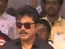 Sarath Kumar Warns Actor Vishal Over Derogatory Remarks