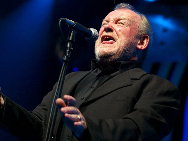 British Singer Joe Cocker Dies of Lung Cancer