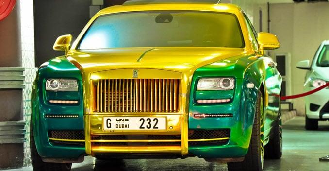 Gold Rolls Royce >> A Green And Gold Rolls Royce Ghost Carandbike