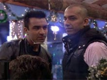 <i>Bigg Boss Halla Bol</i>: Ajaz Khan and Ali Quli Mirza Hug and Patch Up