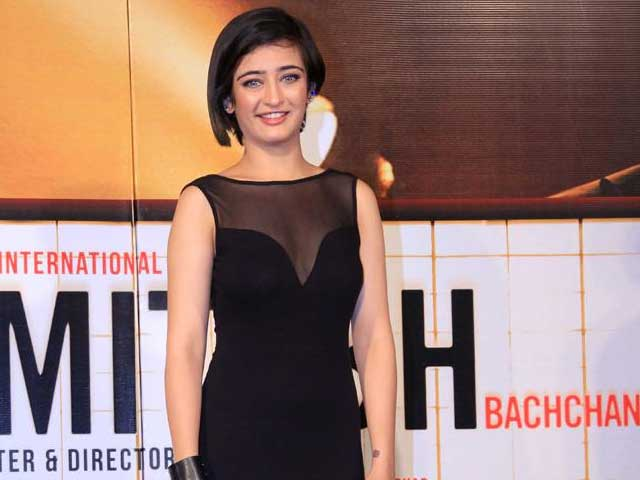 Akshara Haasan on Bollywood Debut, Singing and Healthy Competition with Alia Bhatt