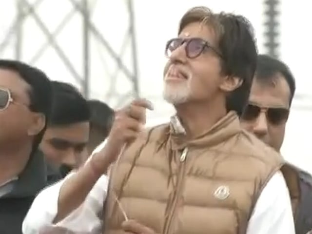 Amitabh Bachchan Flies a Kite in Ahmedabad, Wishes You Happy Makar Sankranti