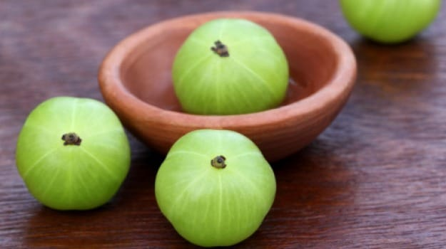 Amla: Fight Off Cough, Ulcers and Constipation With this Desi Superfood