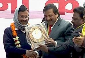 दिल्ली : व्यापारियों के वोट को लेकर बीजेपी-आप में खींचतान