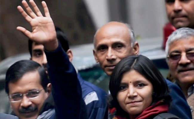 AAP Bane Crorepati: Kejriwal's Party Candidates Twice as Rich in a Year, Says Report