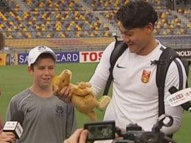 12 साल के बॉलबॉय के 'लकी मैस्कॉट' बनने की रोचक कहानी